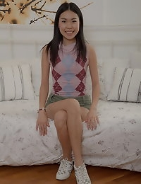 This sweet Asian beaut is so flexible and enthusiastic..